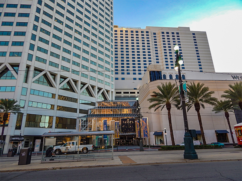 Canal-Place-Tower-L-Canal-Place-Shopping-Mall-C-Westin-Hotel-R-in-New-Orleans-LA.jpg