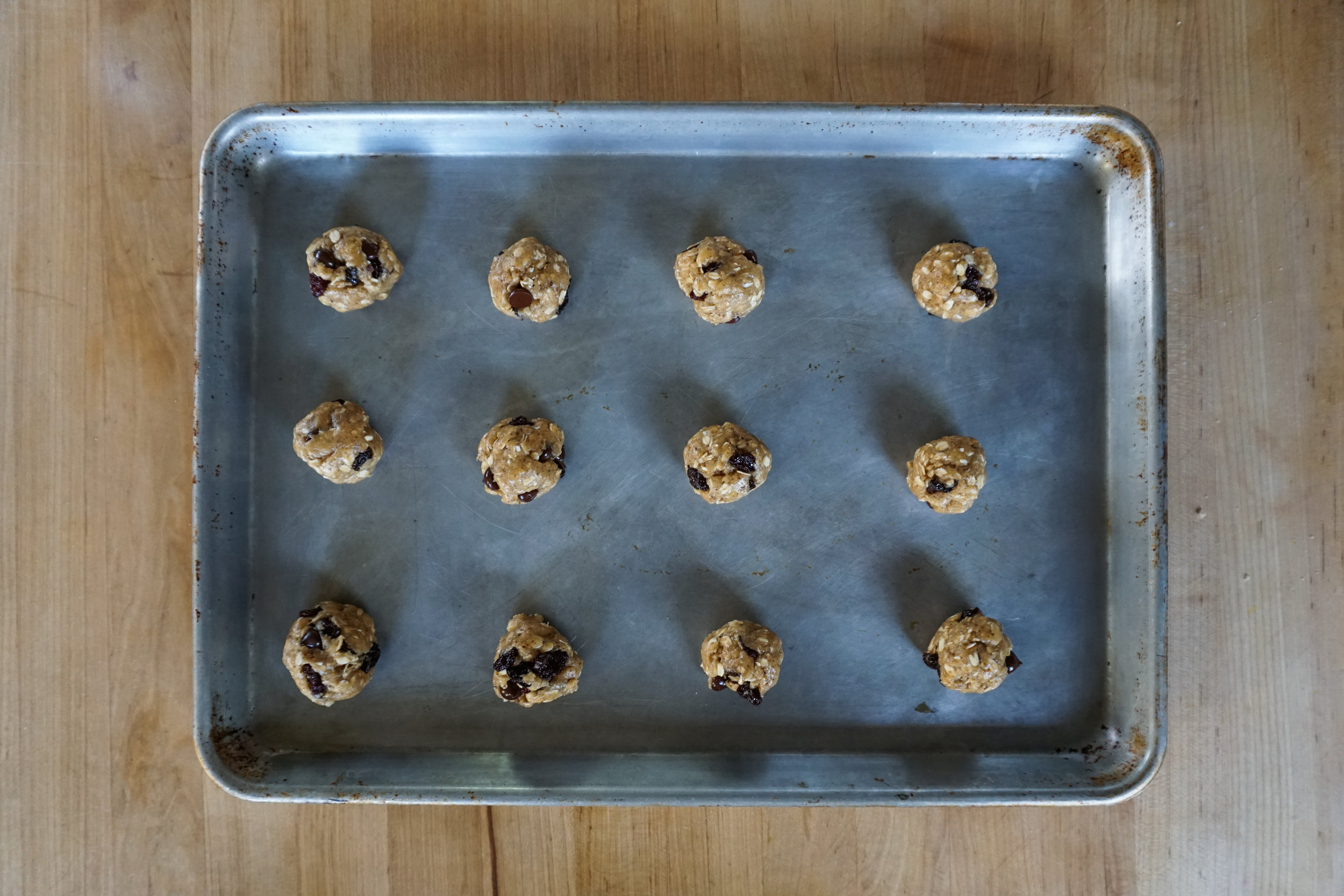 easy delicious trailmix cookies