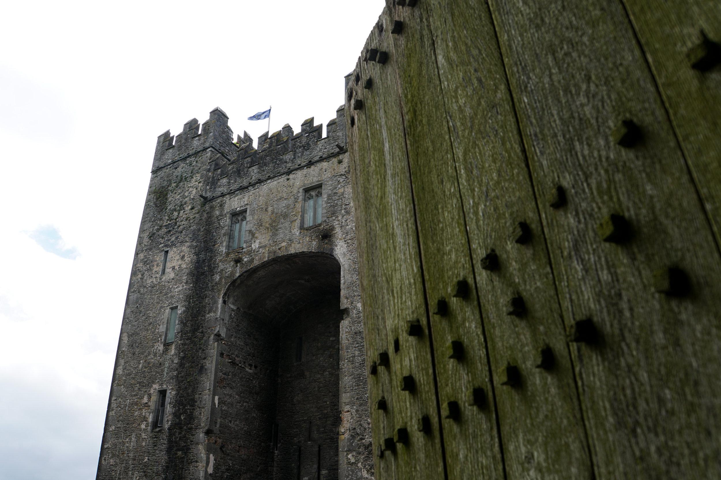 Bunratty castle gate.jpg