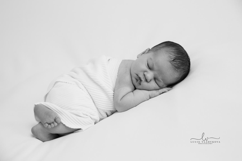 Prague newborn photography 2.jpg