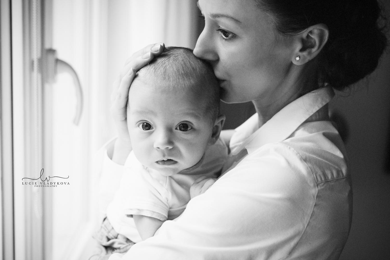 Newborn photos in Prague.jpg