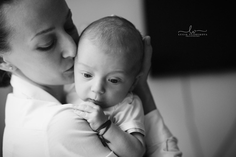 Newborn photshooting in Prague.jpg