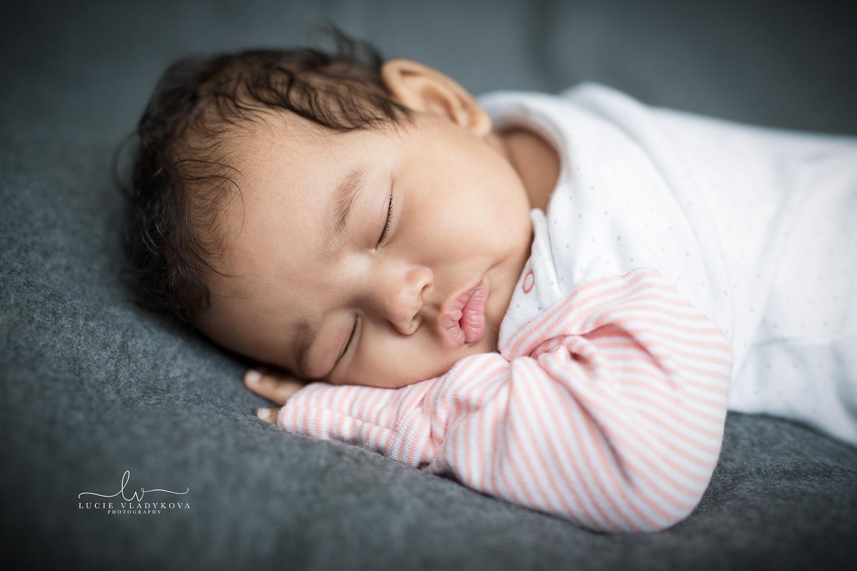 Foceni newborn v Praze 5.jpg