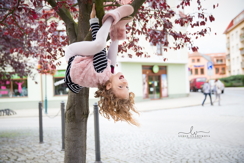 Foceni deti v Praze 14.jpg