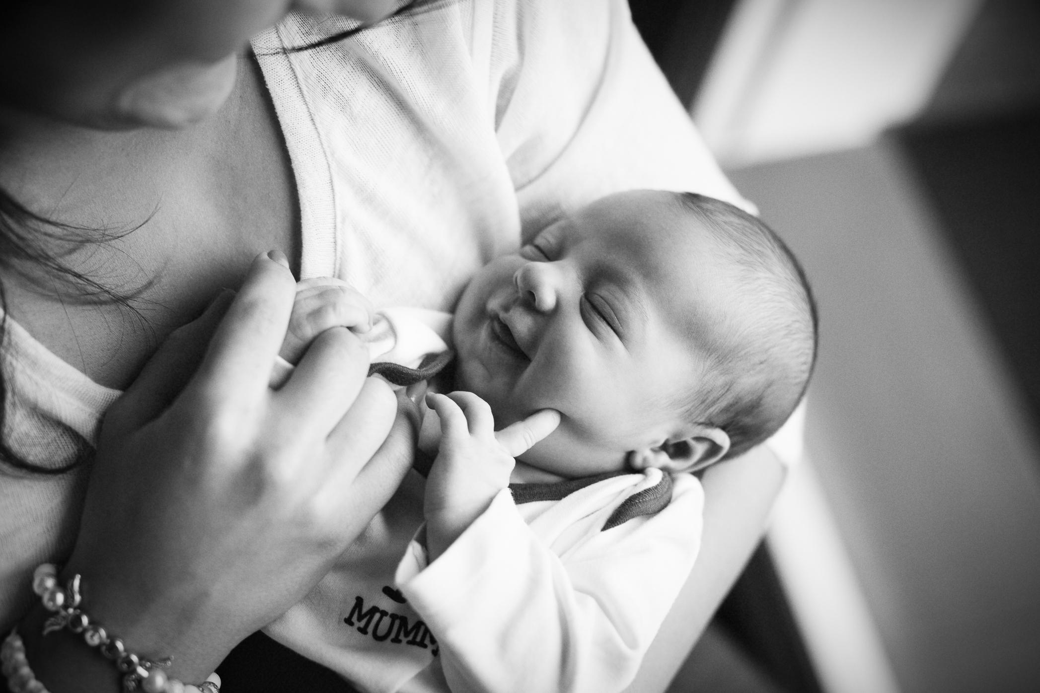 Newborn foceni Praha.jpg