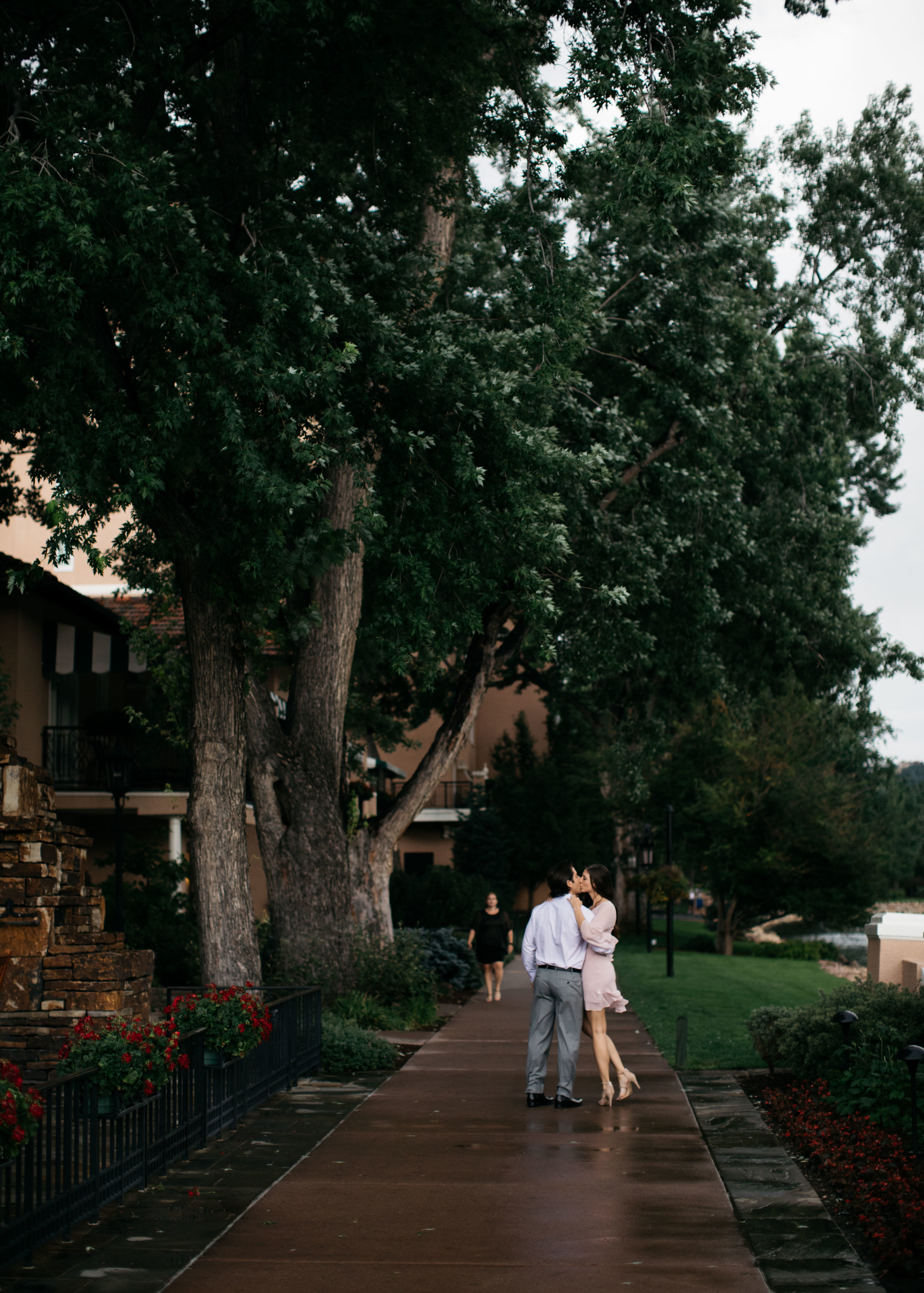 broadmoor-engagement-photography-43.jpg