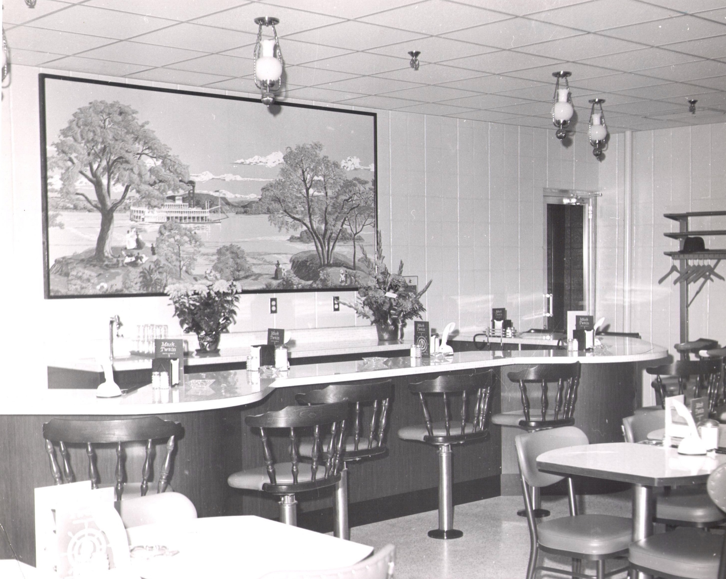 1950's Dining Room - Mark Twain Dinette - Hannibal, MO Restaurant and DIner
