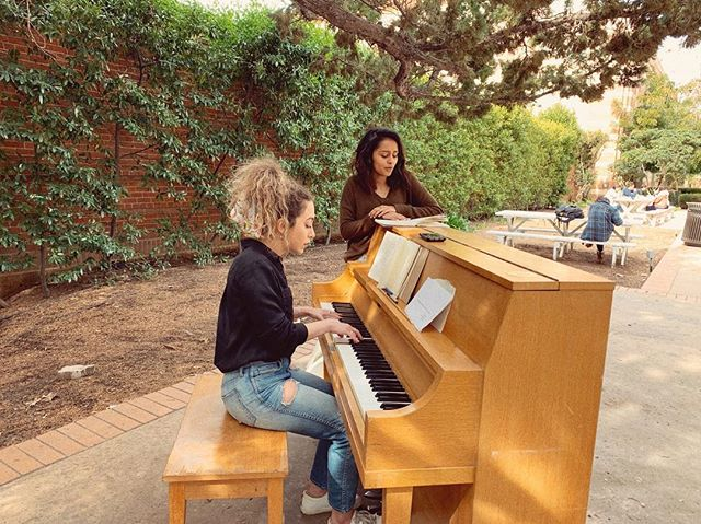 When you find a piano outside on a gorgeous day, you have to sit and write a song. So we did // @pragathiguru @uclapianoproject