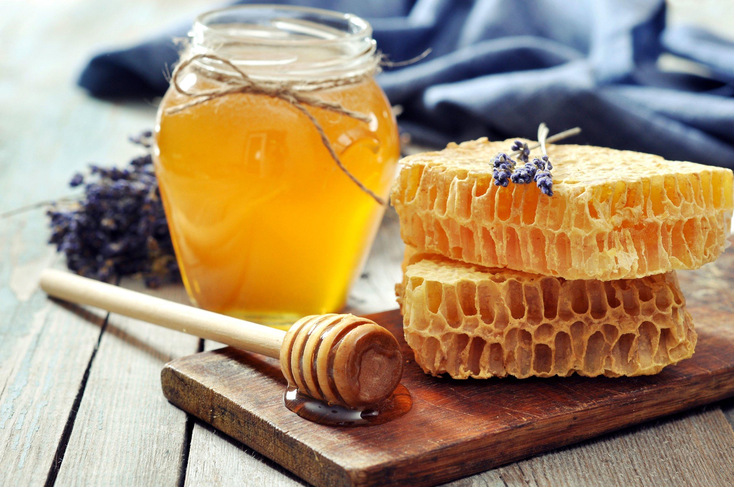 glass-honey-bottle-wallpaper-4.jpg