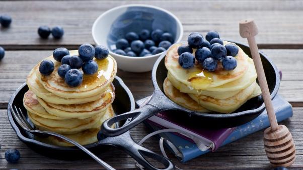 pancakes_honey_blueberries_carnival_100367_602x339.jpg