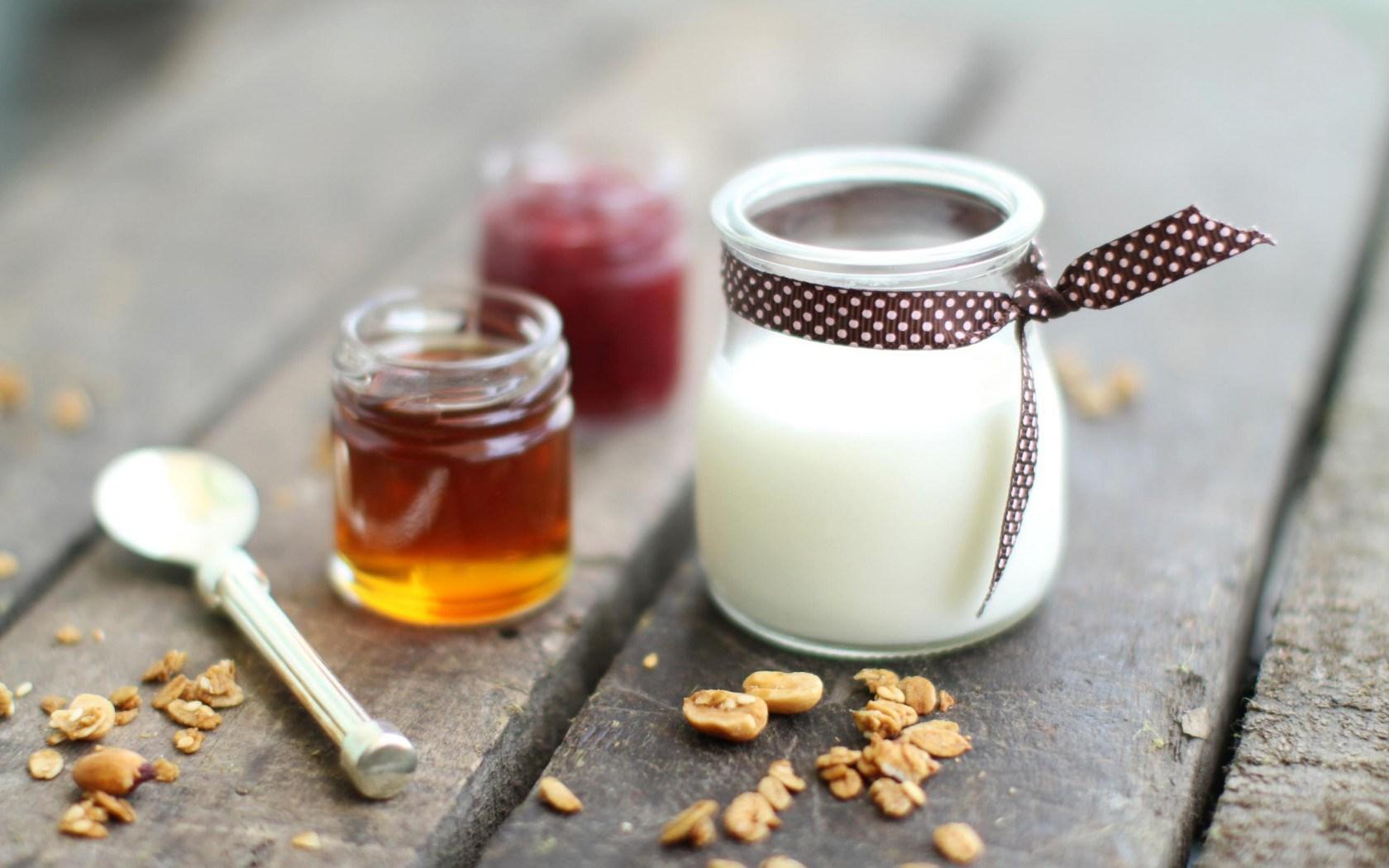 6960972-dessert-panna-cotta-honey-jam-nuts-food.jpg