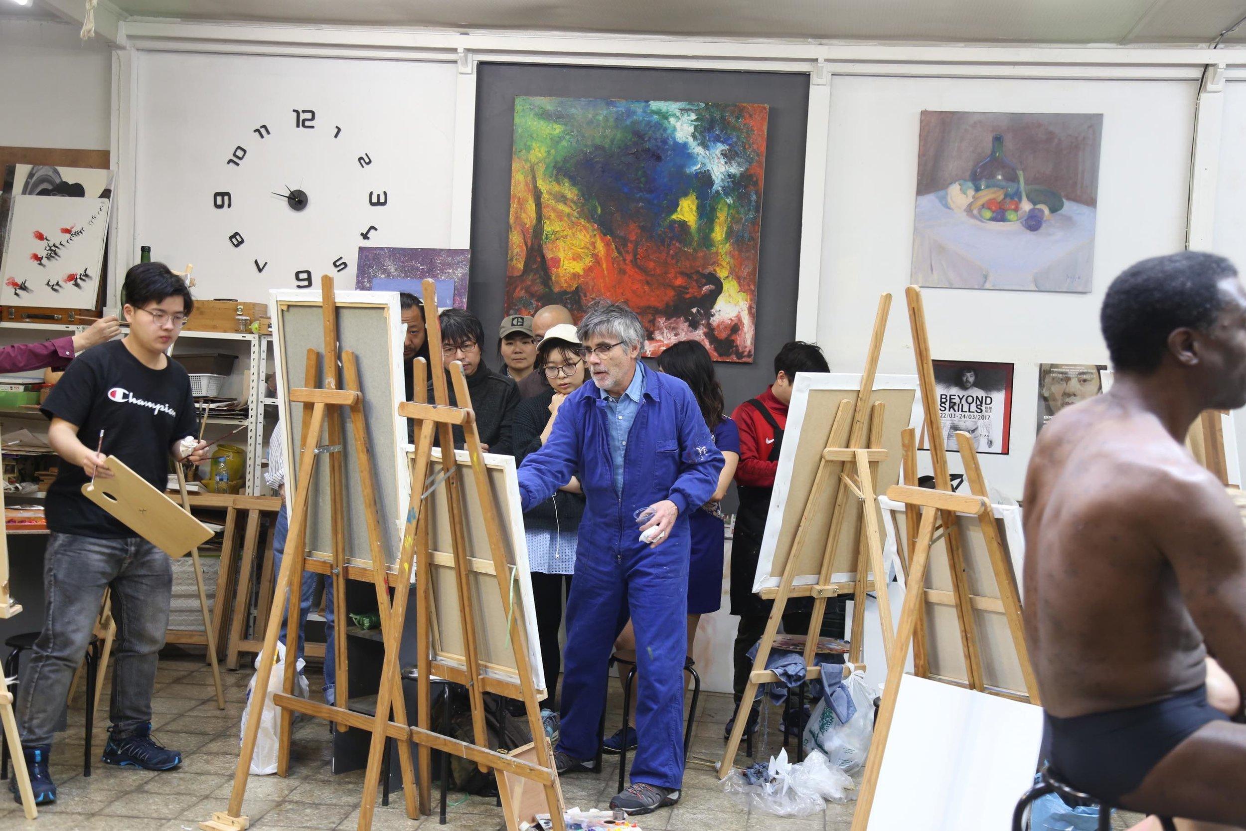Golucho 2018 Workshop 格鲁仇指导艺术家作画7.jpg