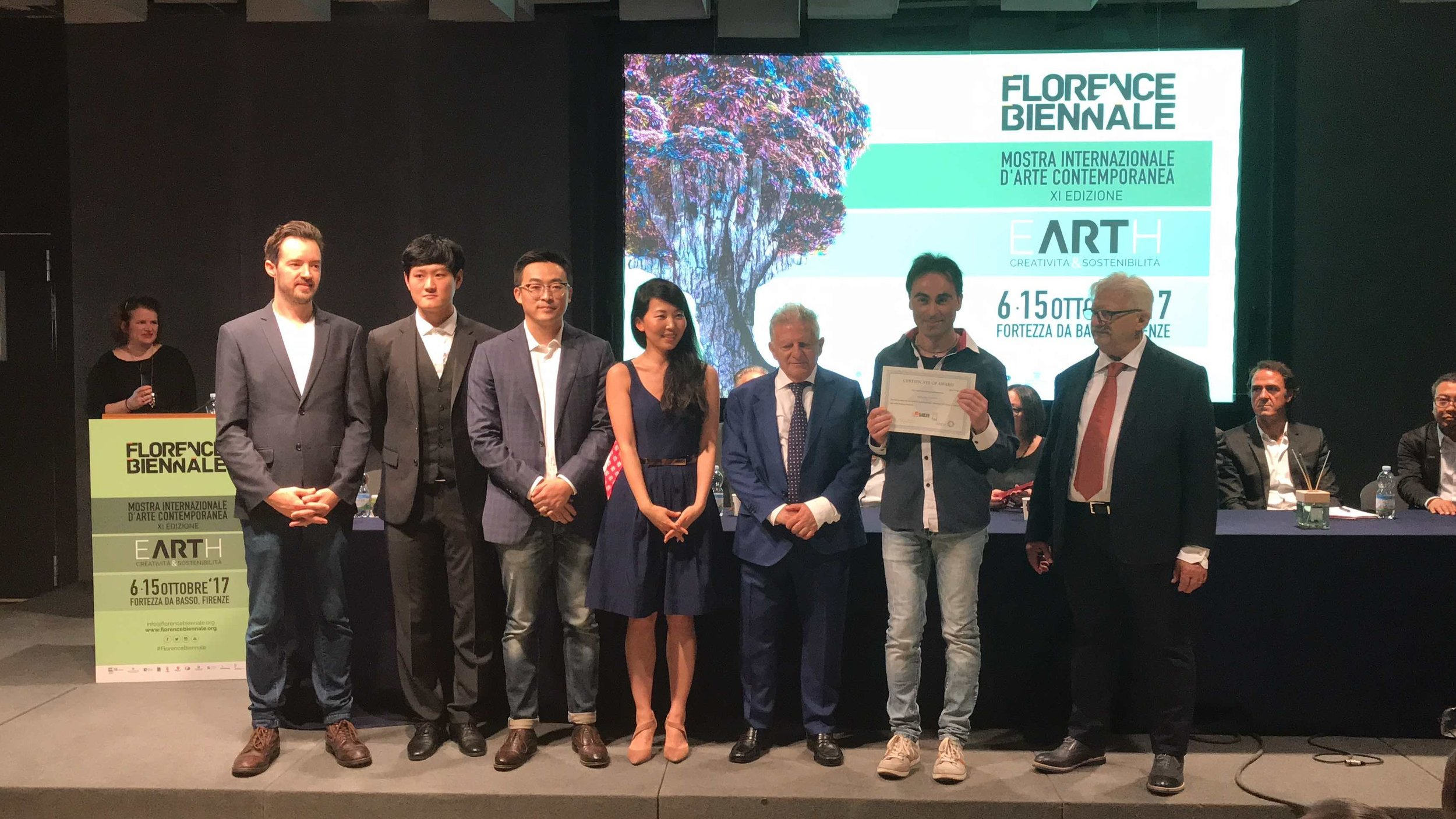 Antonio Saluzzi receiving his award at the Florence Biennale