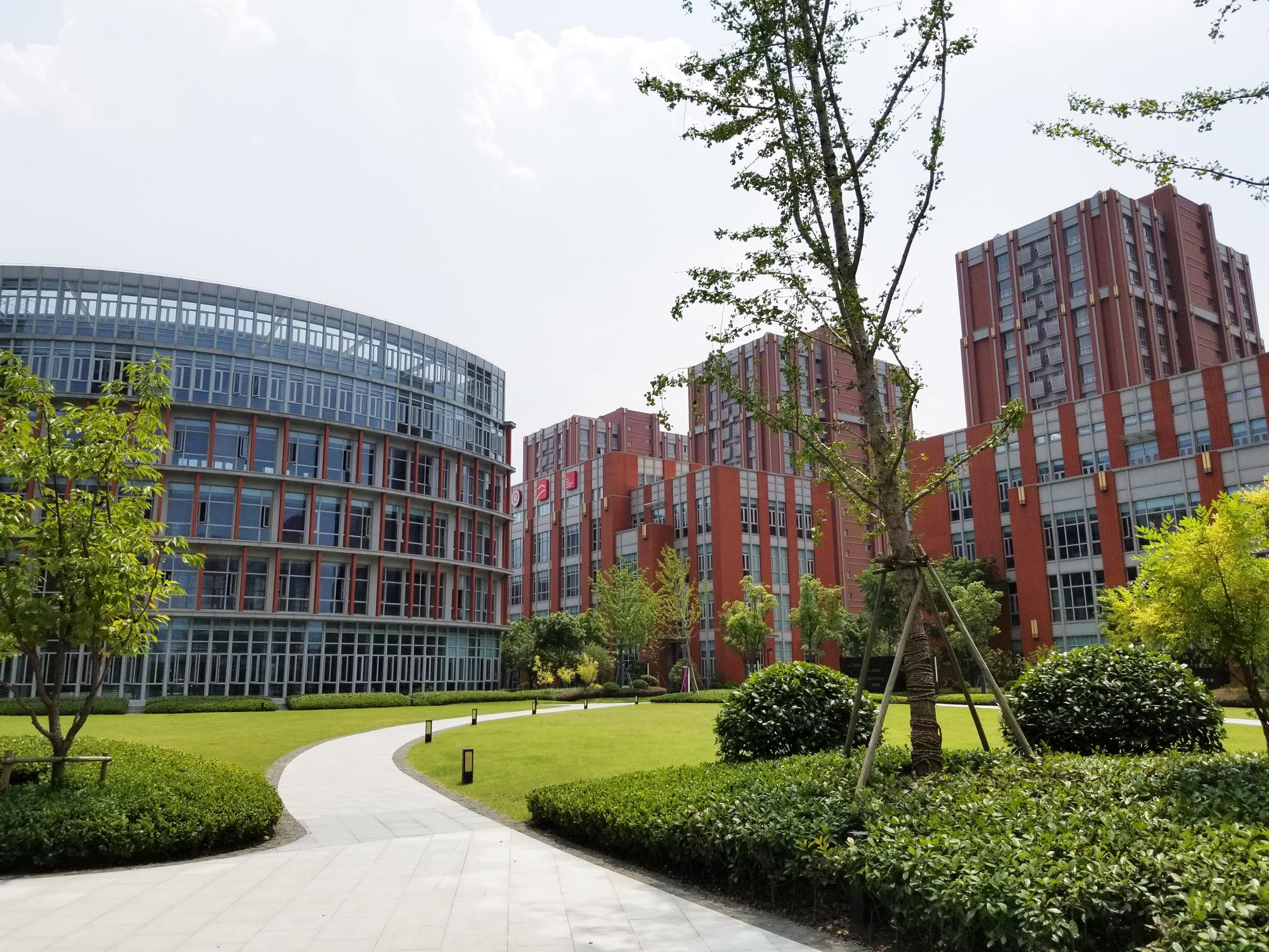 1.Campus-VI.jpg