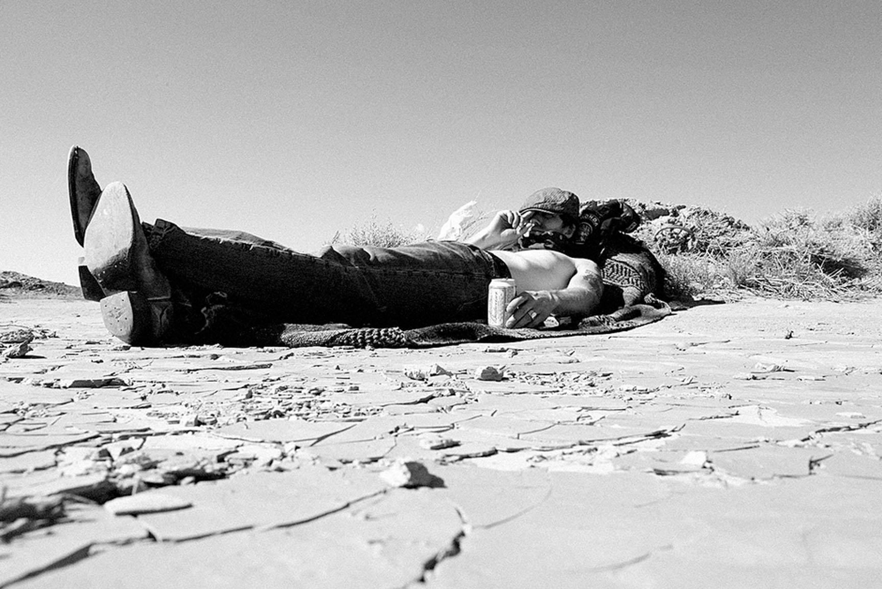 el-mirage-2011-its-better-in-the-wind-scott-toepfer-jason-paul-michaels-relaxing.jpg