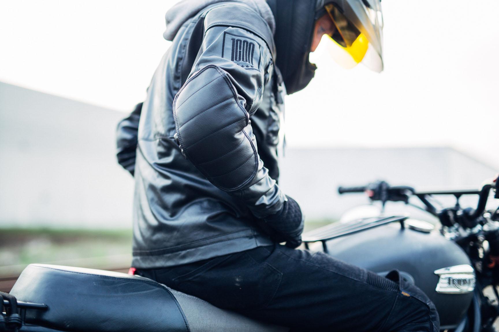 ICON1000-VARIANT-CARBON-MOTORCYCLE-HELMET-6.JPG