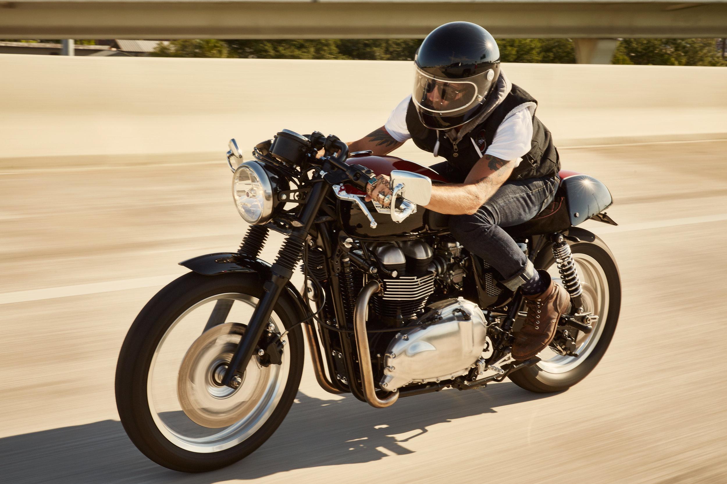 JPM_Thruxton_Riding_0015.jpg