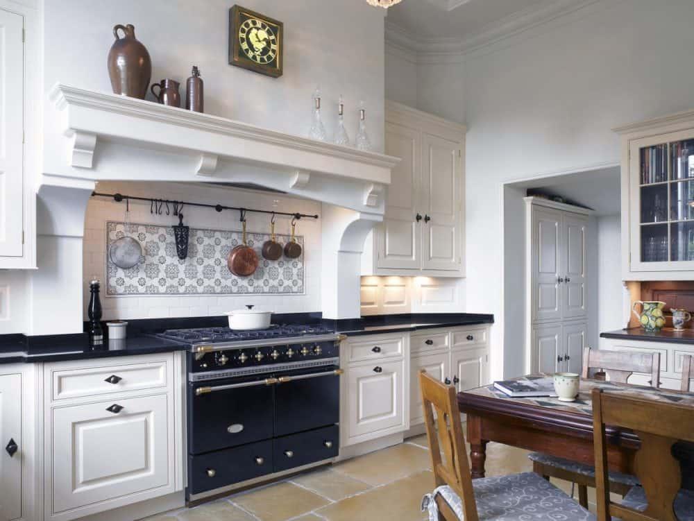 Chapman-Kitchen-Install-e1510249165703.jpg