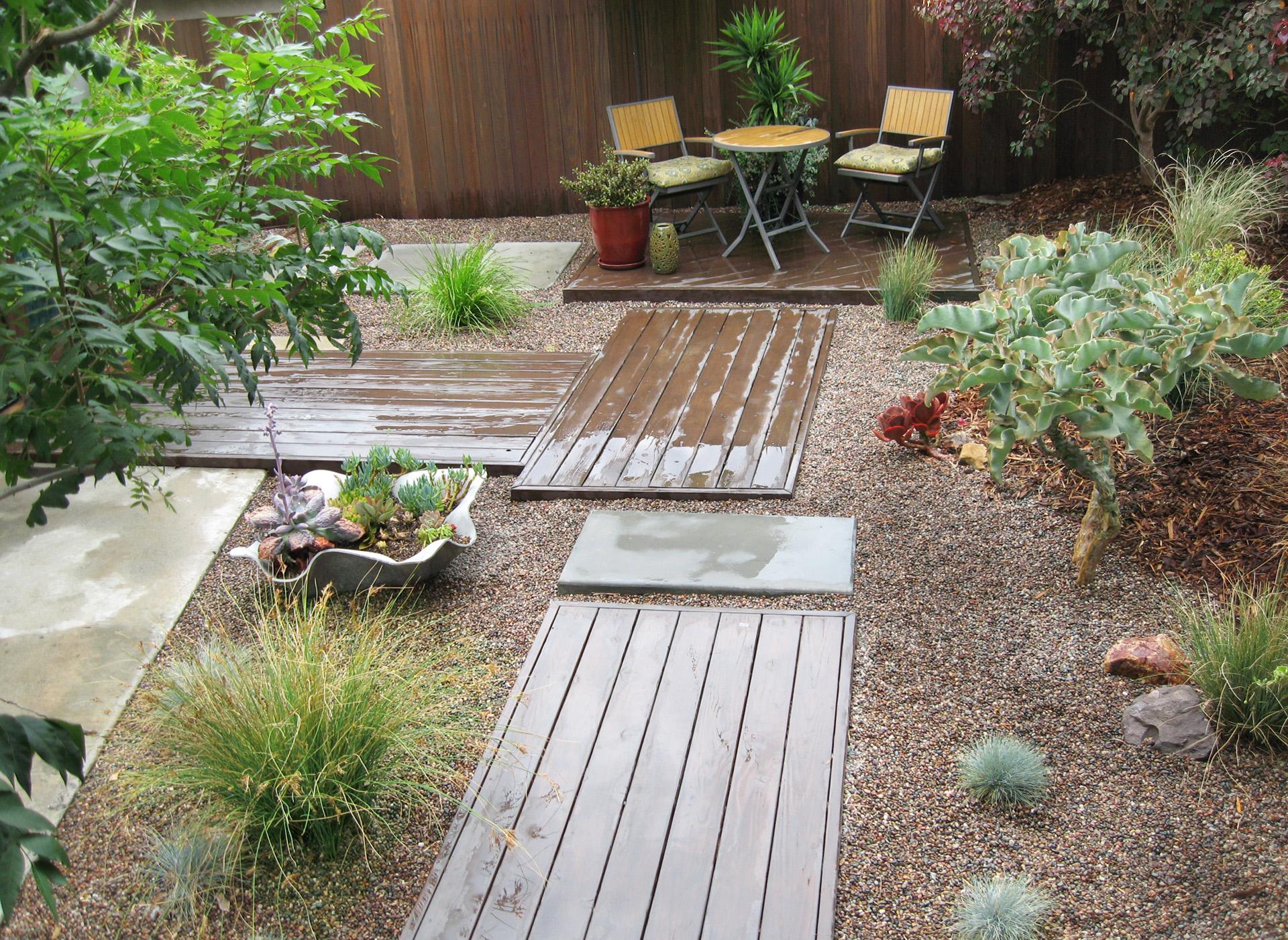 1.Low Water Entry Garden.Seats.Ketti Kupper.2014.jpg