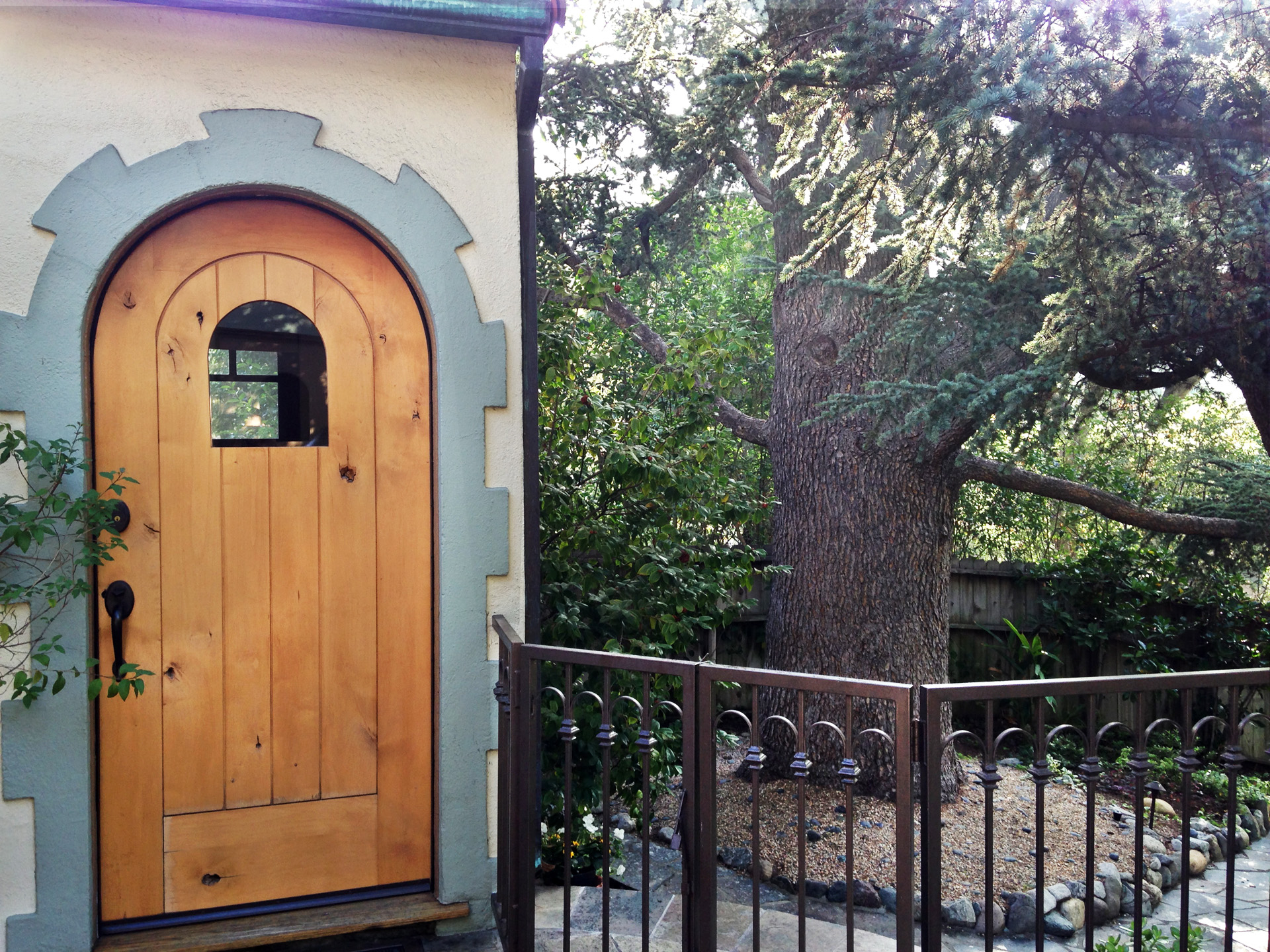 2ArchedWood Door.Tree.Ketti.Kupper.jpg