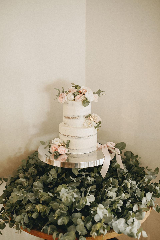 BYBHS_HYGGE_WEDDING_HUGH&GEORGIE_HI-RES_30.jpg