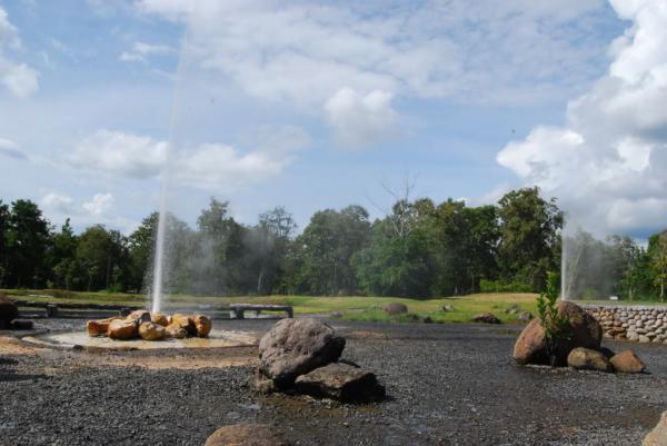 Sankhampang-Hot-Springs-151203.jpg