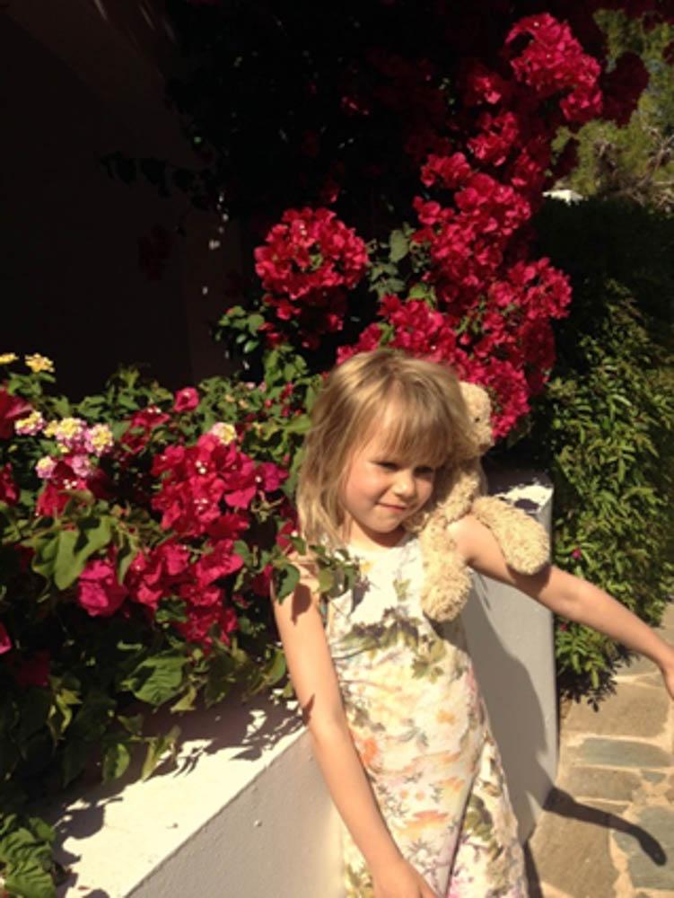 Anassa EF bloemenpracht tess beer.jpg