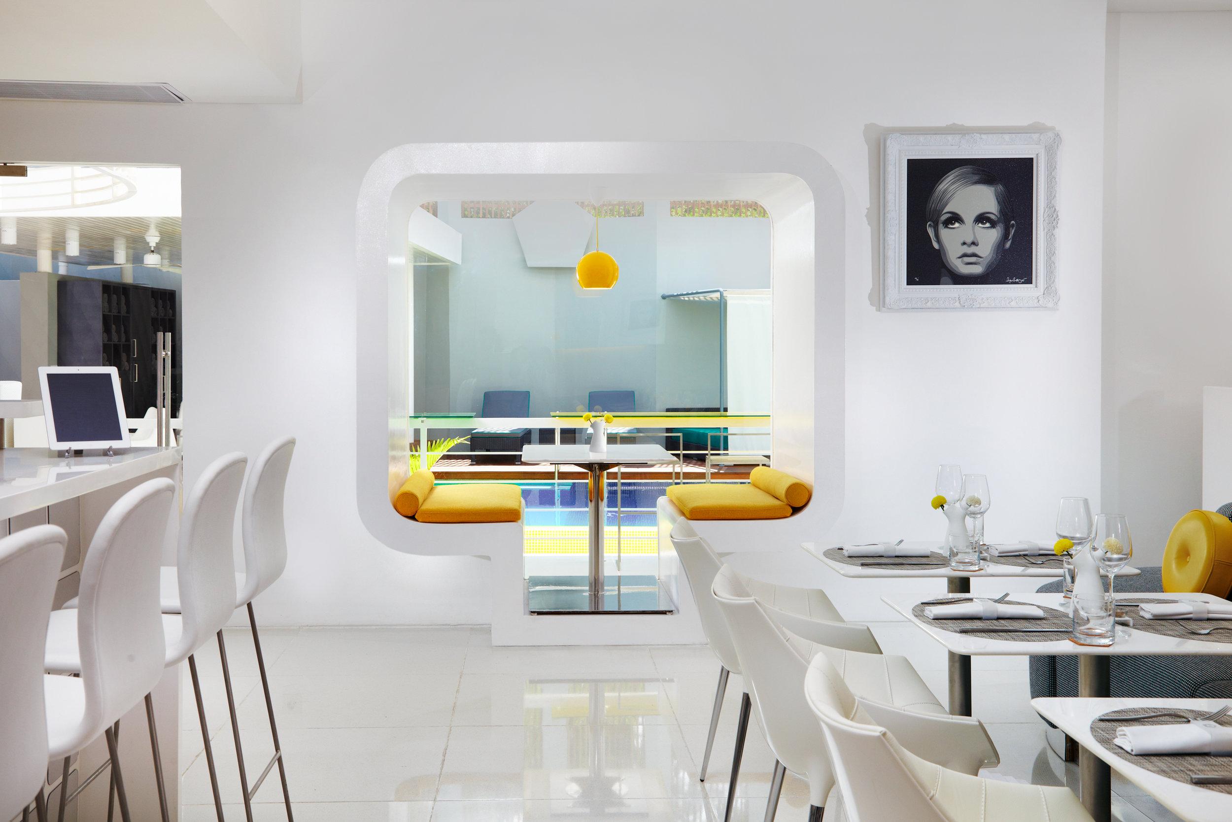 6. orbit restaurant bubble window.jpg