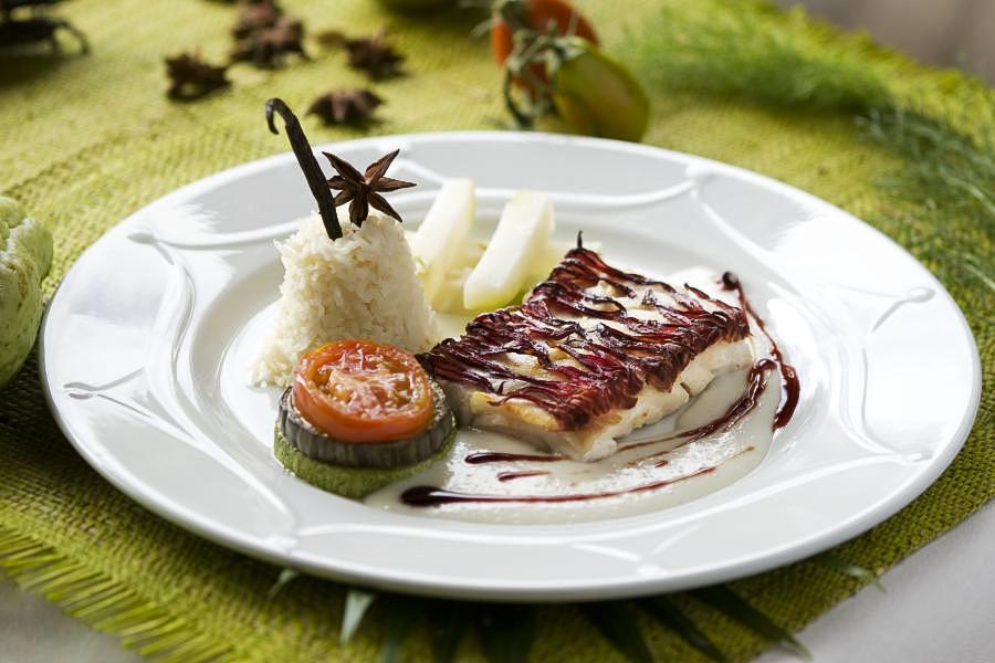 hotel-madagascar-relaisdelareine-isalo-cuisine-2-900x600.JPG