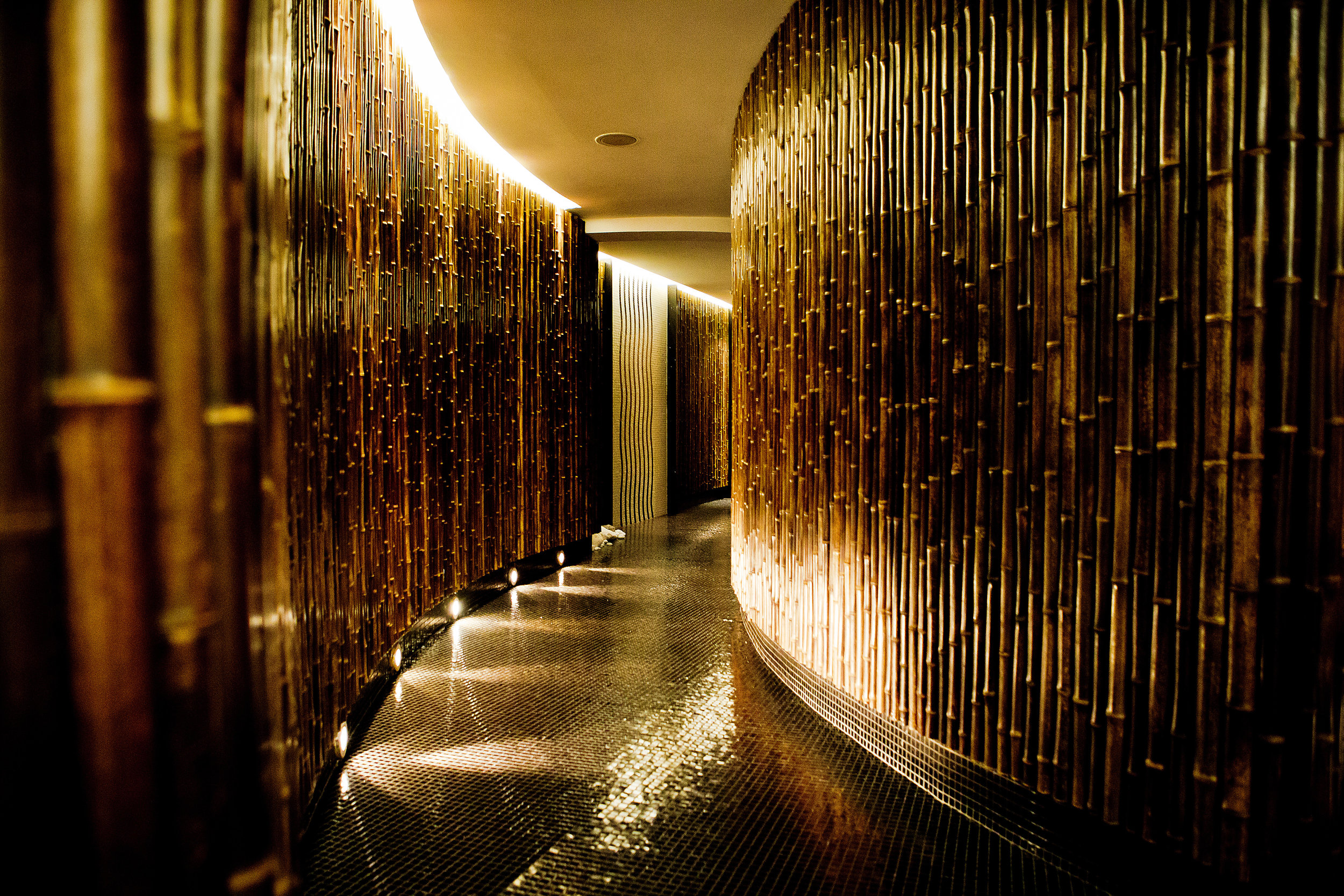 Le Spa by Sisley - relaxation room entrance.JPG