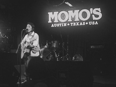 Vicci Martinez playing at Momo's in 2009.