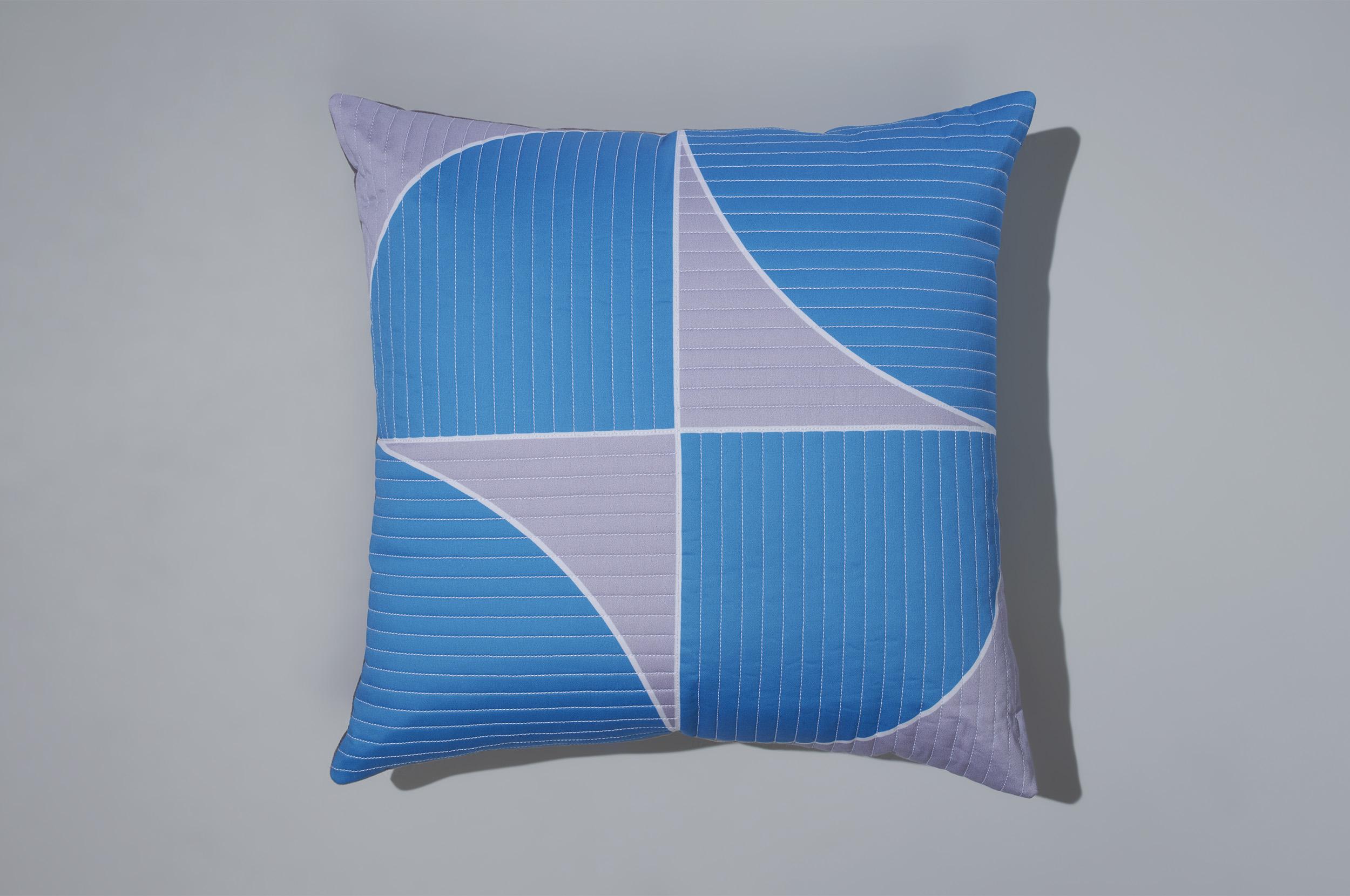PostAndGleam_Pillows_BlueWhite_COMP_Oa_FL_2500.JPG