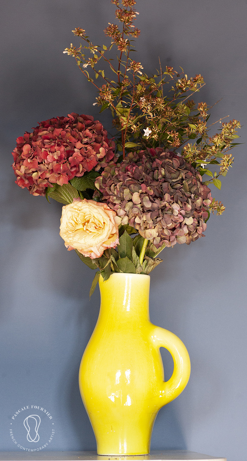 58-Facebook-Fleurs ds vase jaune_MG_2191.jpg