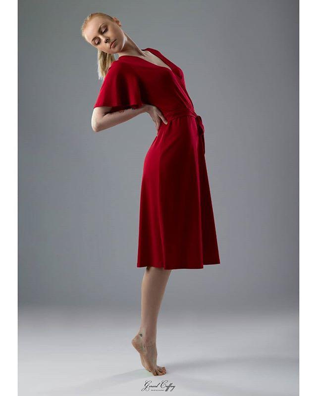 •lady in red• . . . . @gerard.caffrey.photography ❤ . #ladyinred #reddress #irishmodel #irishphotographer #fashionmodel #fashionphotography #irishfitfam #irishfitness #yogastrong