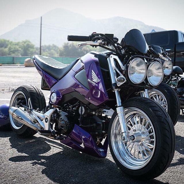 Two wheel Tuesday @trentonmays !! Polish and chrome ! #gromwheels #flpparts #flpwheels