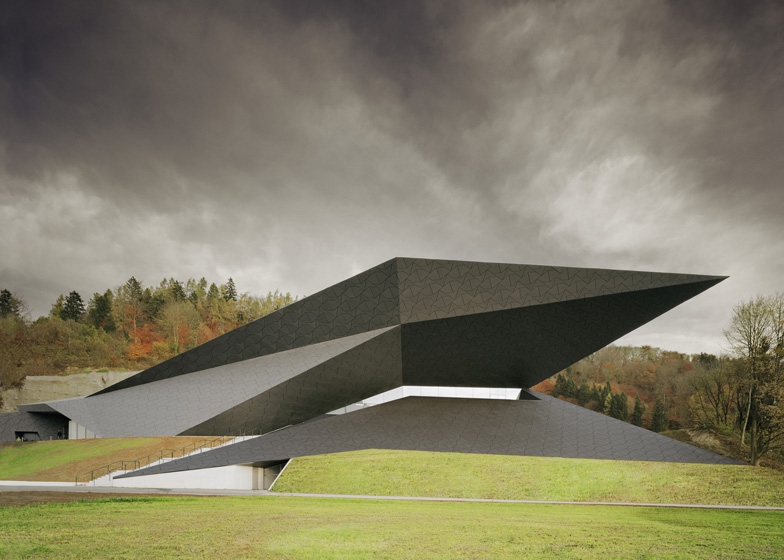 dezeen_Festival-Hall-Of-The-Tiroler-Festspiele-Erl-by-Delugan-Meissl-Associated-Architects_ss3.jpg