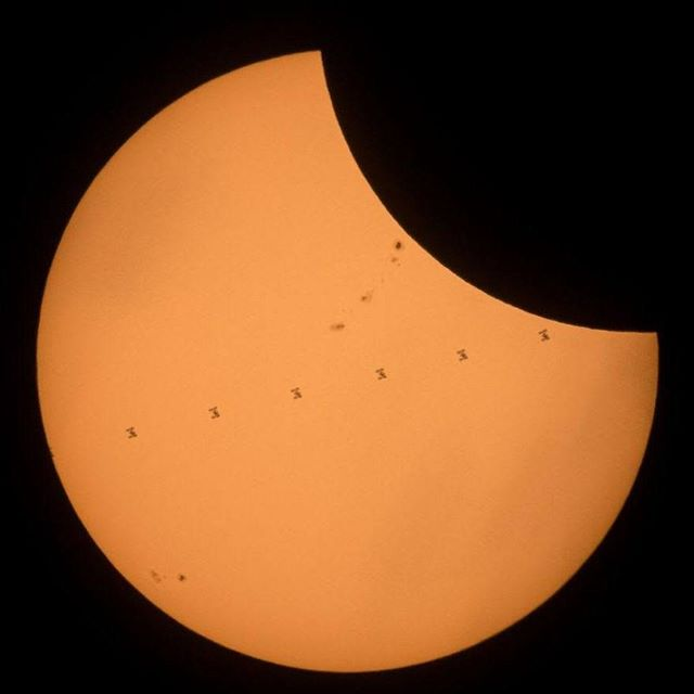 Congrats to any American friends who saw this natural wonder yesterday #eclipse