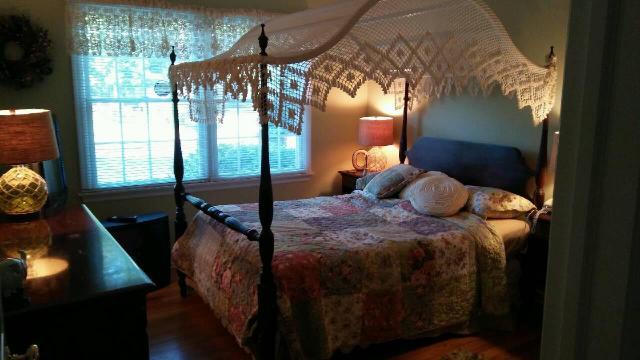 bedroom set.jpg