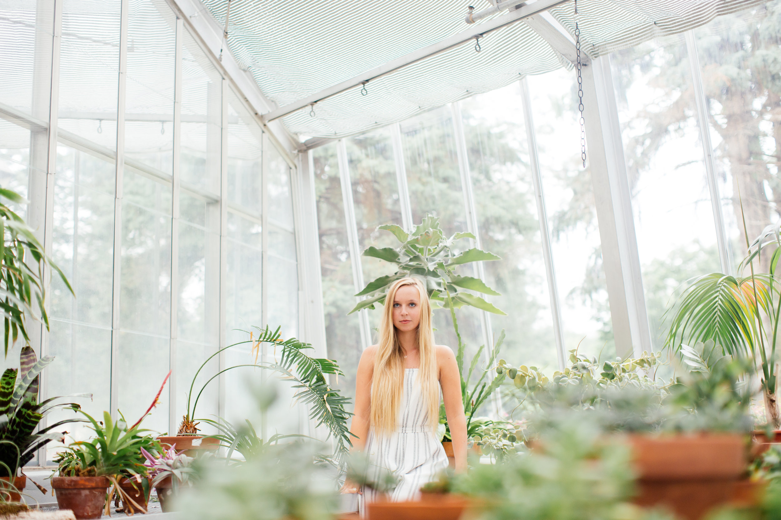 botanical senior photographer