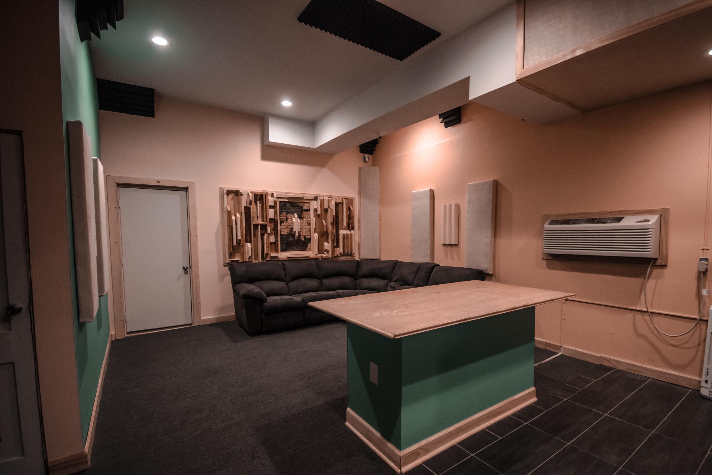GoodPeeples Studios | Studio B
