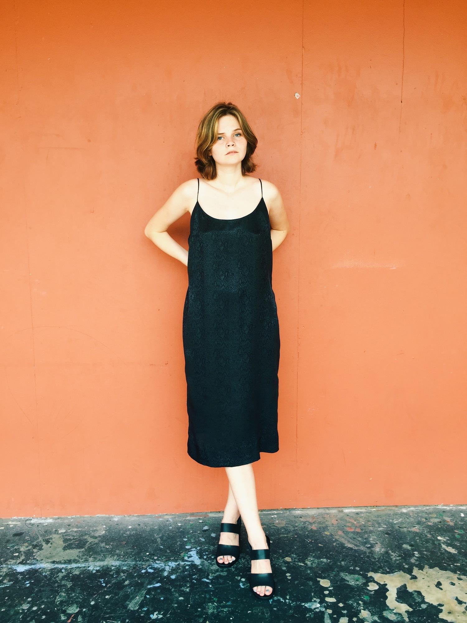 wonaponatime-vintage-lookbook-orange-black-dress