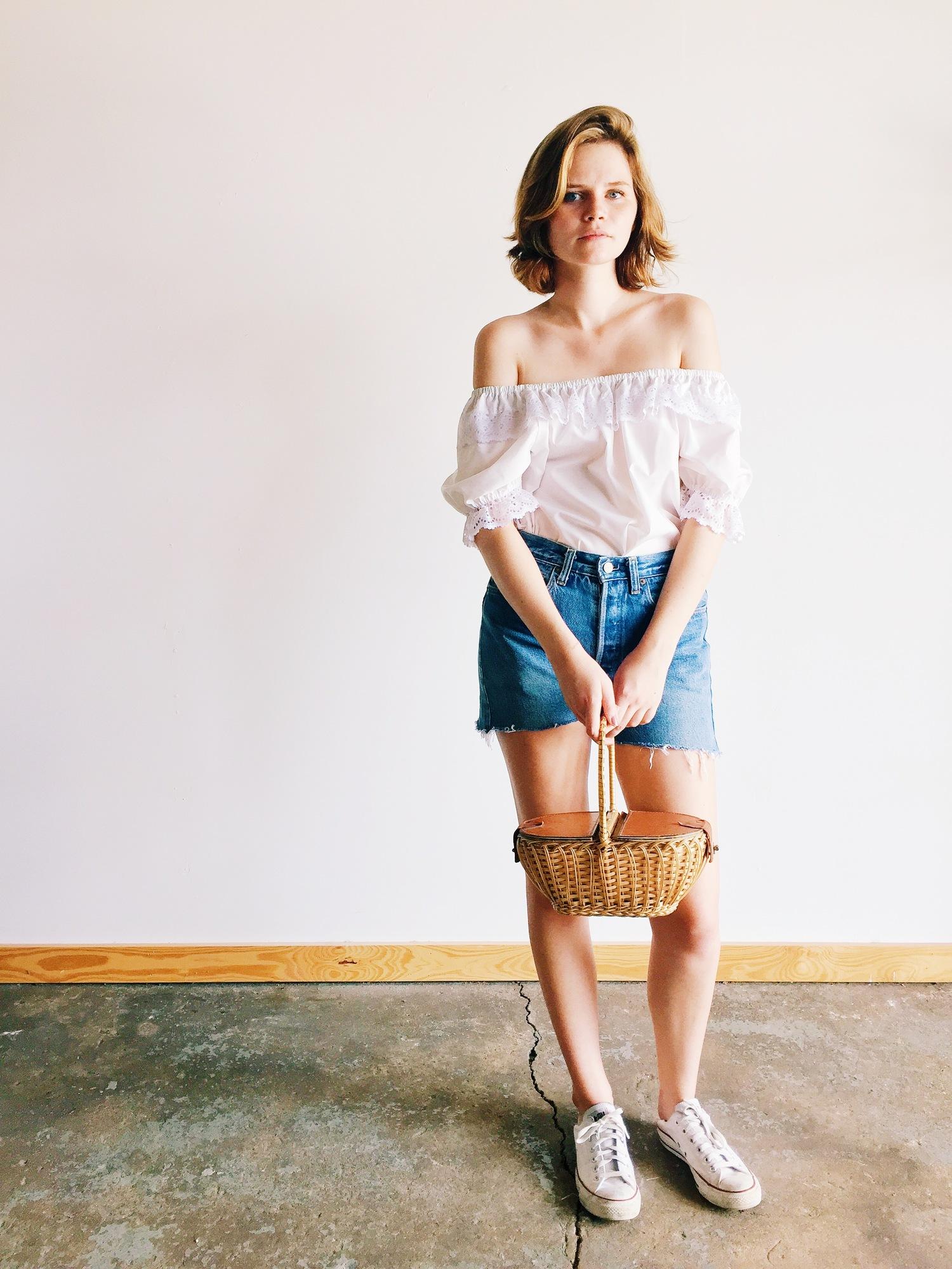 wonaponatime-off-shoulder-denim-shorts-basket-vintage-lookbook