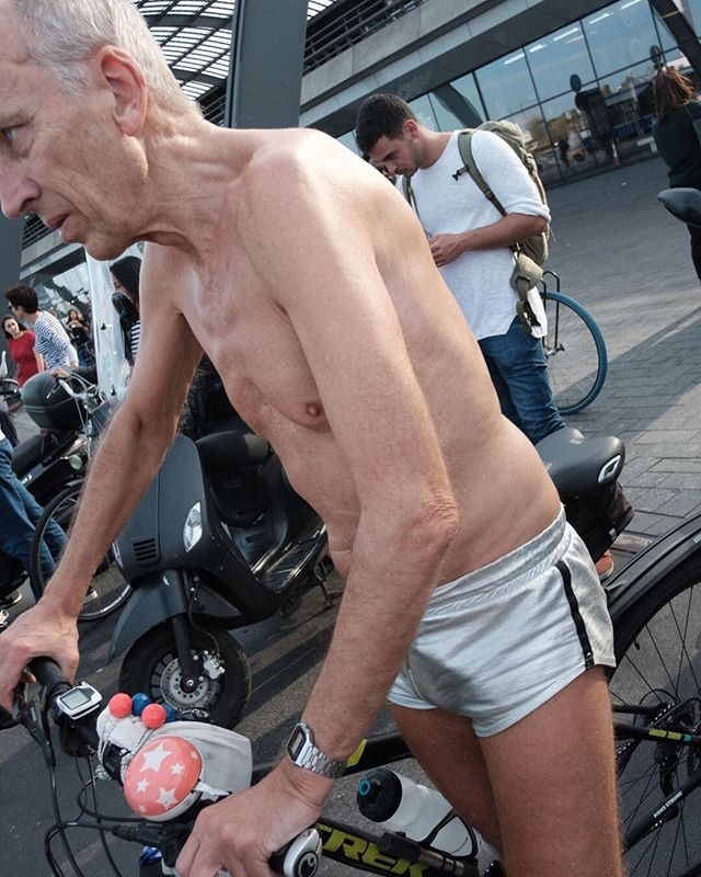 Forgot something mate? #Amsterdam #streetphotography #noclothesneeded