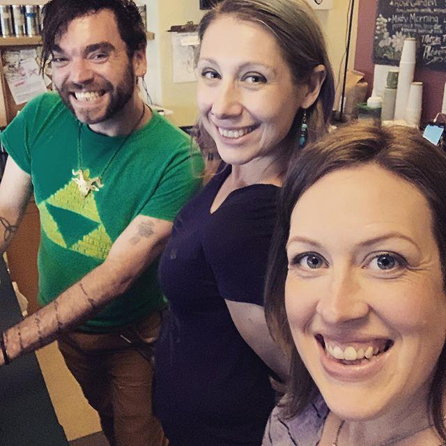 The crew is here are we're ready to brew for you! Thirsty? Welcome to the team Dove 🕊 #baristalife #instacafe #sepdx #portlandpride #portlandlife #openlate #openlatenight #goodcoffee #baristalove #southeastportland #brooklynneighborhoodguide #coffeelover #coldbrewcoffee #dapperandwisecoffee #wehaveac #freewifi #portlandlocal #awesomeopposum #makingbellieshappy #newbarista