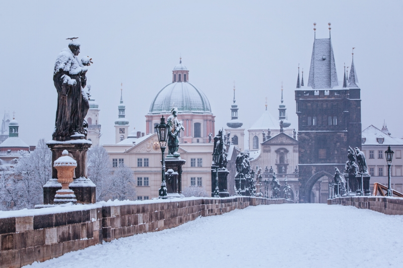 Charles-bridge-in-winter.jpg