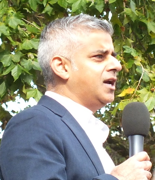 """Sadie Khan told BBC London: """"It would be madness to build a new runway. People who care about London and the health of London, who worry about the noise, who worry about the infrastructure, are united against it."""""""