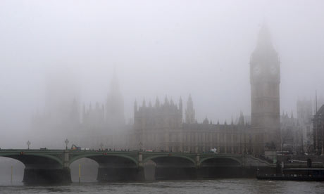 Pollution hangs in London's air