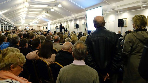 Public meeting in Ascot after Heathrow trialled new flight paths over the area