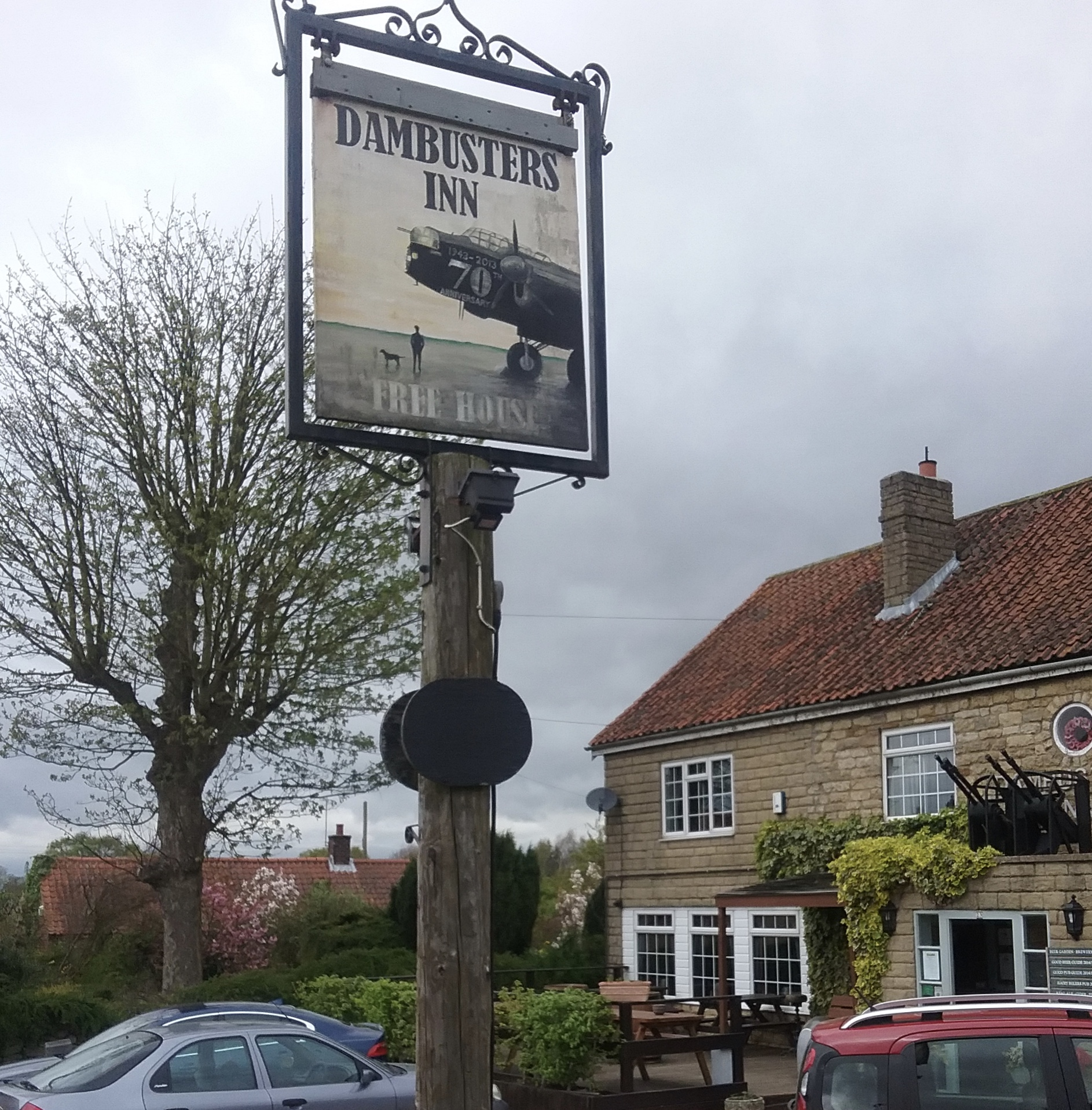 Lincoln pub of 2016 and 2017 (CAMRA) has a link with Harmondsworth in that Barnes Wallis, inventor of the bouncing bomb, had a testing tank in the village and now has a memorial there.