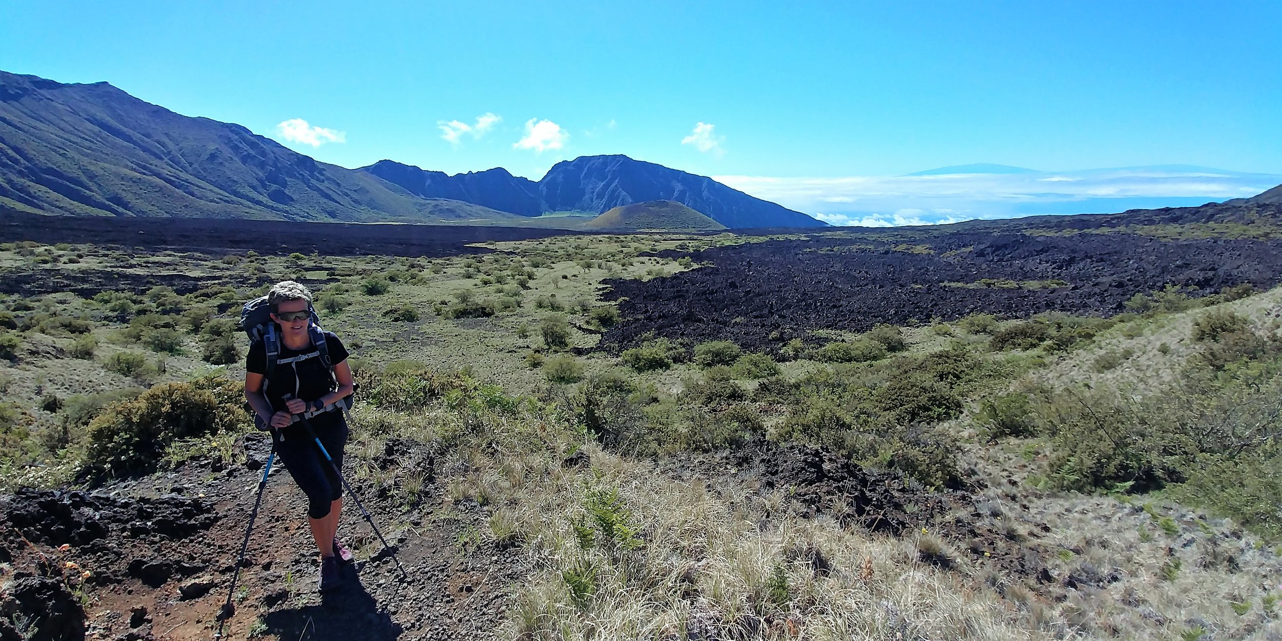 Mauna Kea und Mauna Loa im Hintergrund